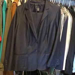 2-piece set, iridescent navy blazer w/ankle pant.